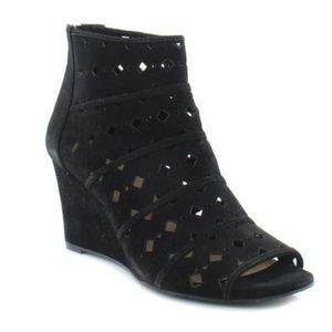 NWOB Michael Kors Uma Suede Wedge Sandals